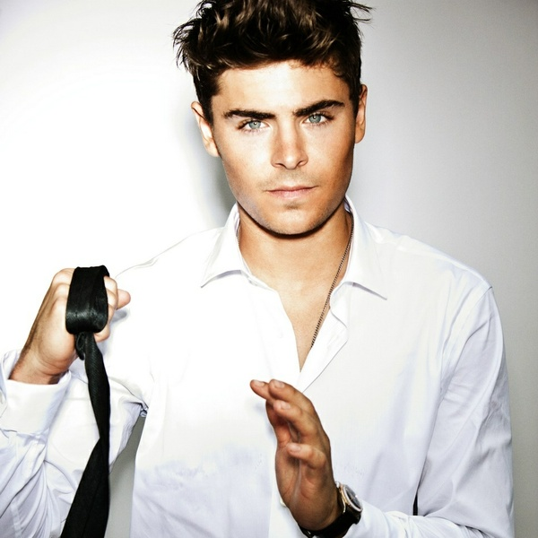 Zac Efron  hot